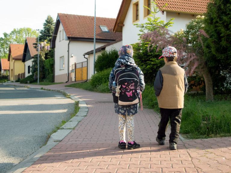 https://educfrance.org/wp-content/uploads/2020/02/children-go-to-school-1-768x576-1.jpg
