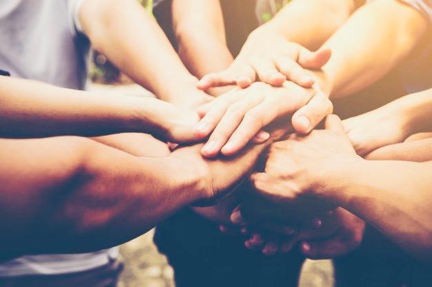 https://educfrance.org/wp-content/uploads/2020/02/travail-equipe-entreprises-se-joignent-ensemble-concept-travail-equipe-commerciale_1150-1804.jpg