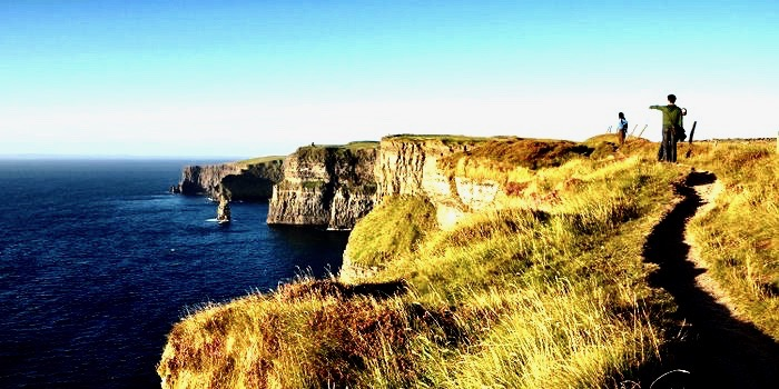 https://educfrance.org/wp-content/uploads/2020/02/tzoo.1.0.567847.C-vacations-ireland-shutterstock-cliffs.jpg