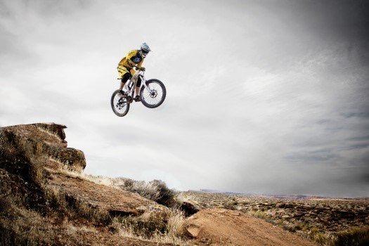 https://educfrance.org/wp-content/uploads/2020/03/mountain-biker-jumping-over-rocks.jpg