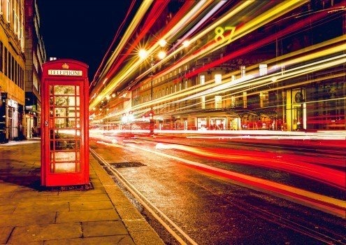 https://educfrance.org/wp-content/uploads/2020/04/long-exposure-of-street-and-telephone-booth.jpg