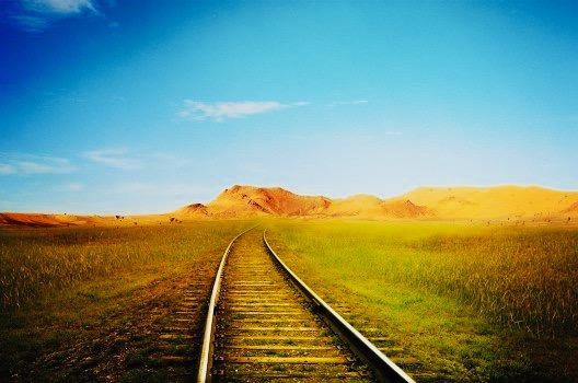 https://educfrance.org/wp-content/uploads/2020/04/train-way-tracks-rails-railway-dramatic-fantasy.jpg