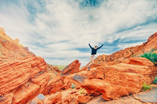 https://educfrance.org/wp-content/uploads/2020/04/woman-jumping-on-rock.jpg