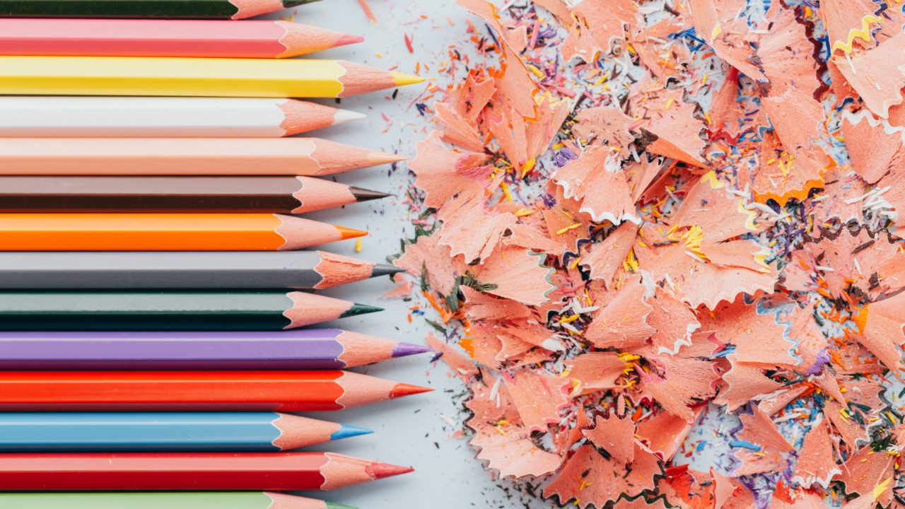 https://educfrance.org/wp-content/uploads/2020/05/tightly-lined-pencils-and-shavings-1280x720.jpg