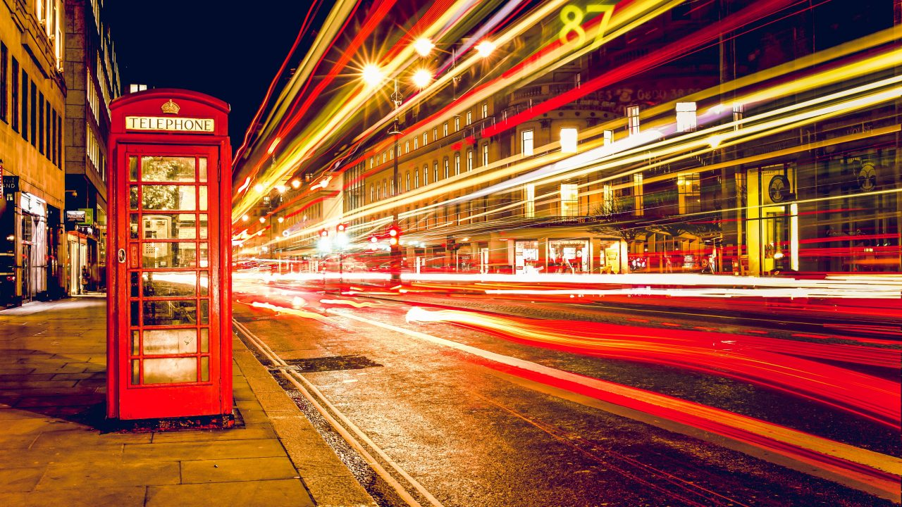 https://educfrance.org/wp-content/uploads/2020/06/london-telephone-booth-long-exposure-lights-6618-1280x720.jpg