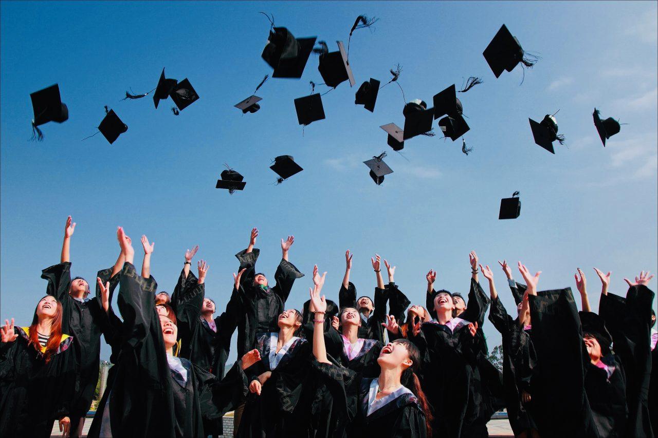 https://educfrance.org/wp-content/uploads/2020/07/accomplishment-ceremony-education-graduation-267885-1-1280x853.jpg