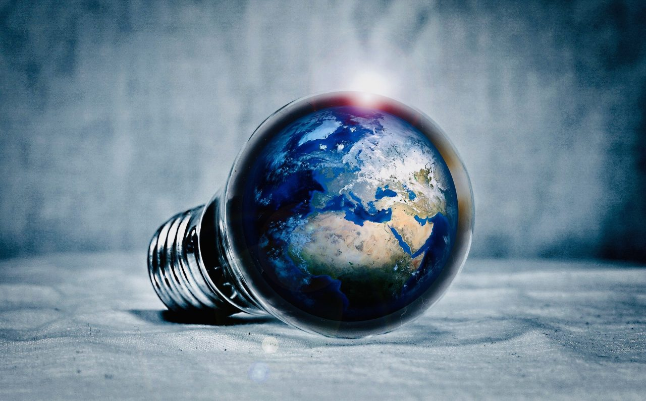 https://educfrance.org/wp-content/uploads/2020/09/earth-2581631_1920-1-1280x795.jpg
