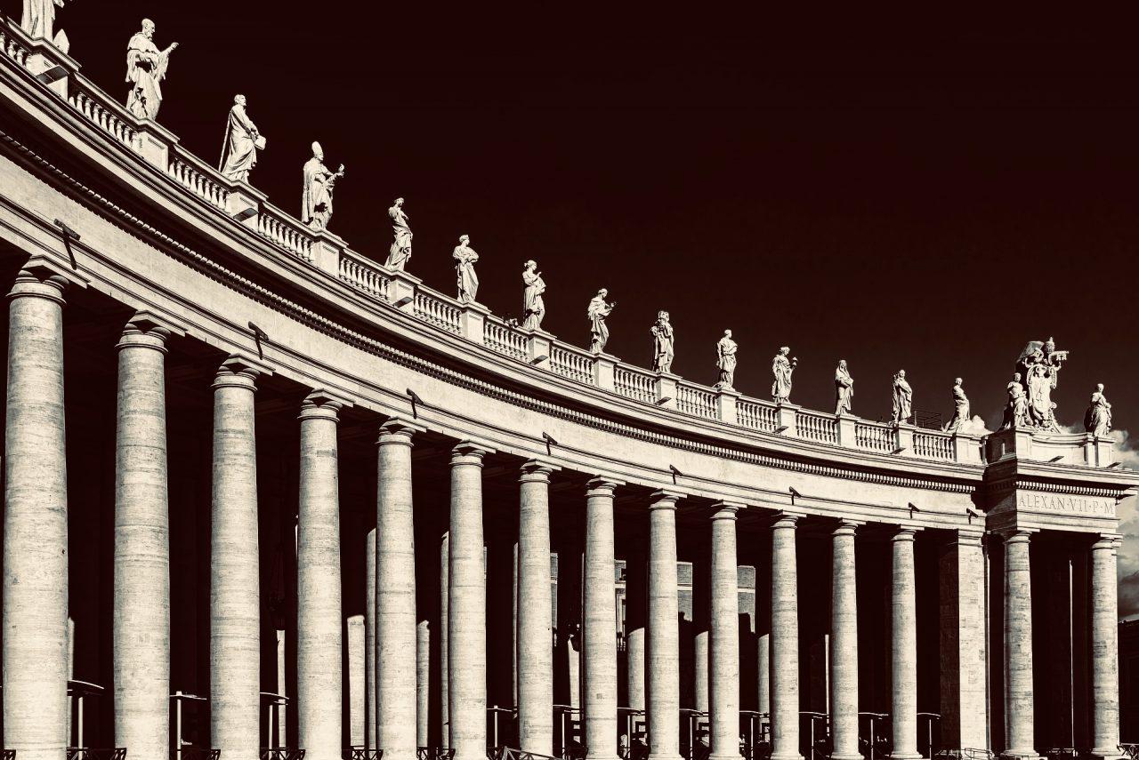 https://educfrance.org/wp-content/uploads/2020/10/st-peters-basilica-1697064_1920-1280x855.jpeg