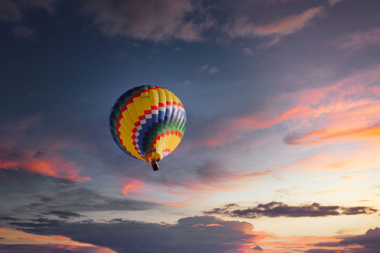 https://educfrance.org/wp-content/uploads/2021/02/balloon-5307204_1920-1280x855.jpg