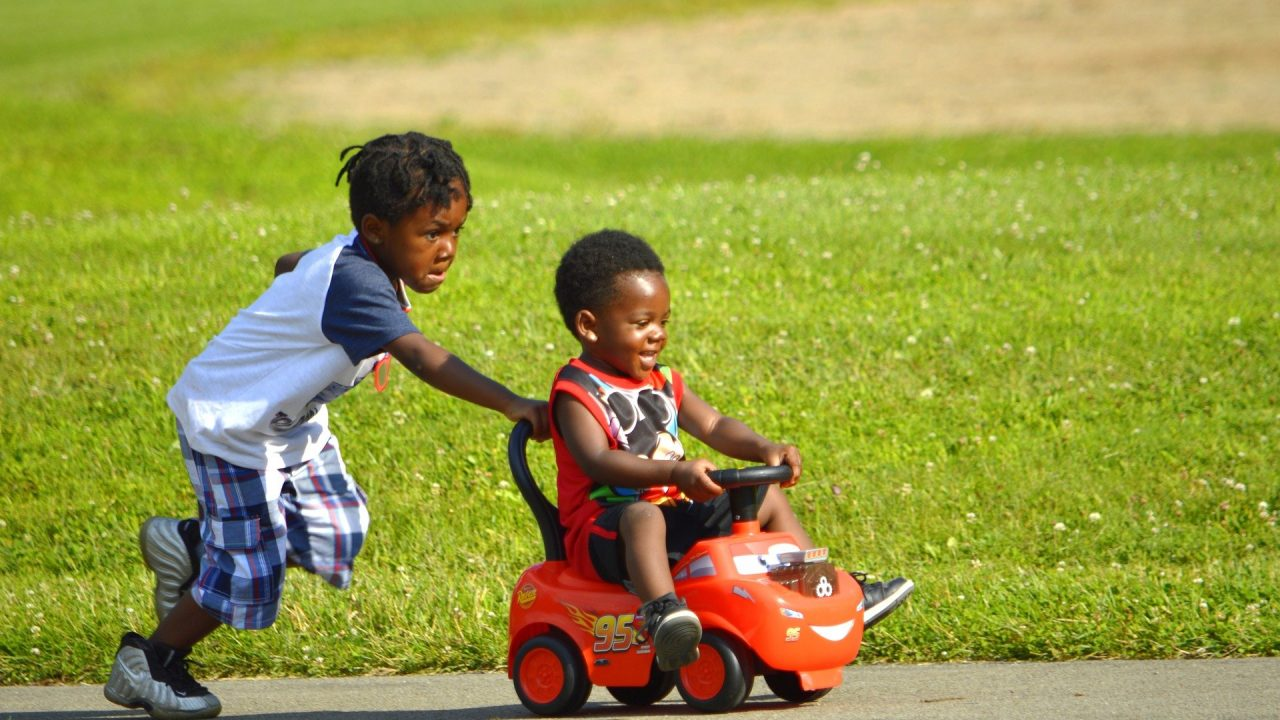 https://educfrance.org/wp-content/uploads/2021/05/african-american-kids-3548898_1920-1280x720.jpg